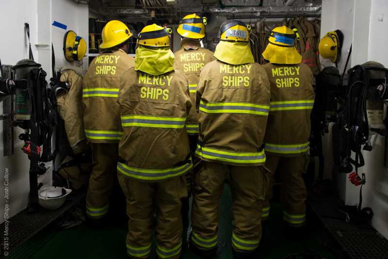 MGC150924_NEW_BUNKER_GEAR_FIRE_DRILL_JC0017_LO